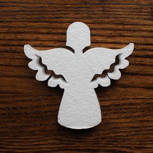 styropianowy aniołek dekoracyjny na komunie