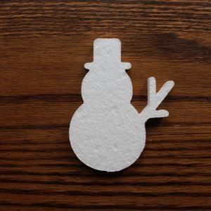 zimowa dekoracja styropianowa - bałwanek