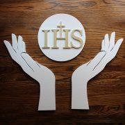 dłonie ze styropianu i hostia - ozdoba na aranżacje komunijne