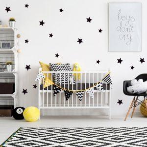 naklejki na ścianę w kształcie gwiazd do pokoju dziecięcego