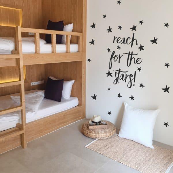 Gwiezdne naklejki na ściany do pokoju dziecka, przedszkola lub żłobka