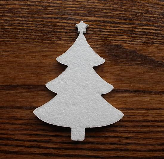 styropianowa choinka - ozdoba na święta bożonarodzeniowe