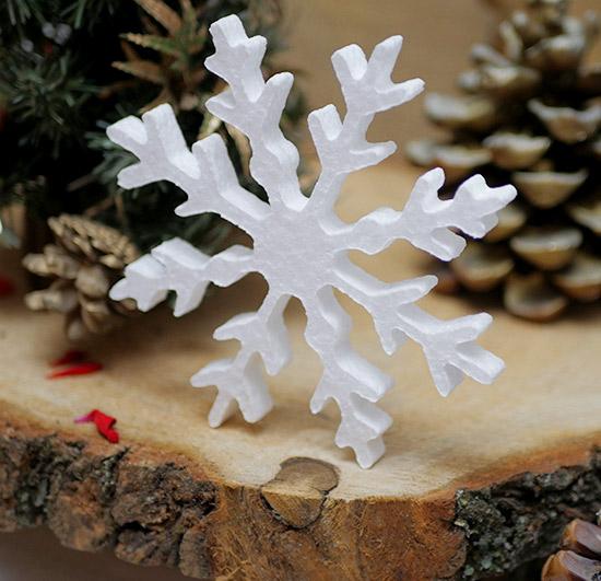 dekoracja zimowa ze styropianu