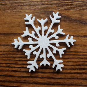 styropianowa dekoracja w kształcie śnieżynki