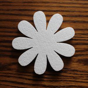 styropianowy kwiatek do dekoracji