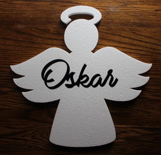 styropianowy anioł z imieniem dziecka do dekoracji komunijnej