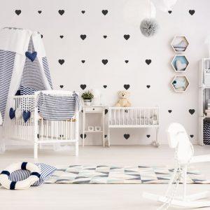 serca na ścianę do naklejenia w pokoju dziecięcym
